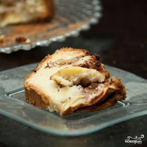 9. К бабушкину яблочному пирогу отлично подойдет шарик ванильного мороженого! Приятного аппетита!