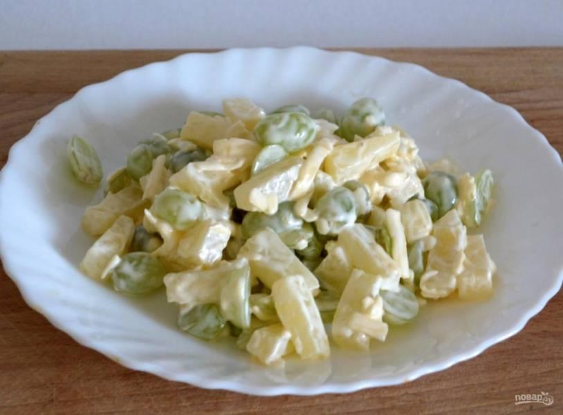 6.Перед подачей салат настаиваю 20-30 минут, а после этого уже подаю к столу.