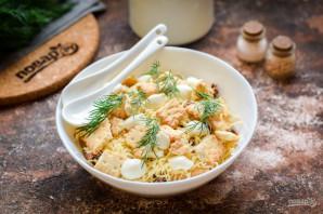 Салат с тунцом и крекерами - фото шаг 9