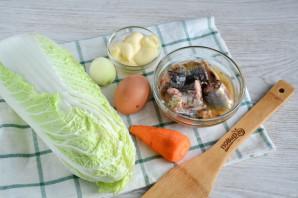 Салат с пекинской капустой и сайрой - фото шаг 1