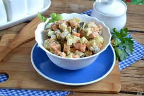 Вегетарианский салат с шампиньонами - фото шаг 8