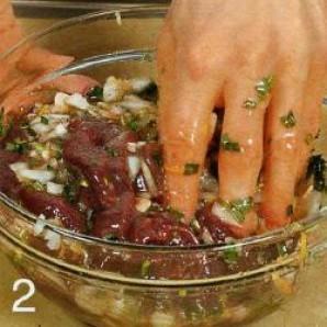 Шашлычки из говяжьей печенки - фото шаг 2