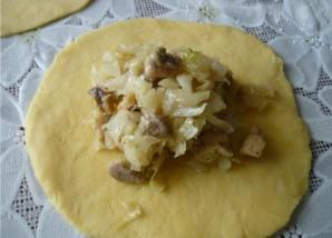 Пирожки с капустой и курицей - фото шаг 4