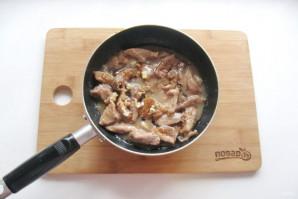 Жареные огурцы с мясом - фото шаг 8