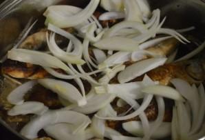 Кефаль, жаренная на сковороде - фото шаг 6