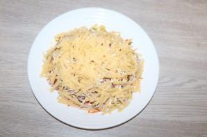 Салат с чипсами и корейской морковкой - фото шаг 7