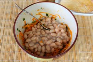 Салат с фасолью, морковью и копченой курицей - фото шаг 7