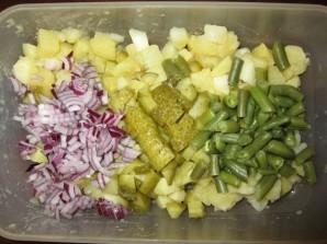 Салат с картошкой и солеными огурцами - фото шаг 4
