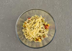 Салат из жареных овощей - фото шаг 5