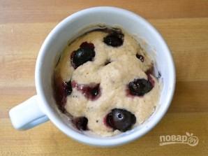 Пирог в чашке в микроволновке - фото шаг 6