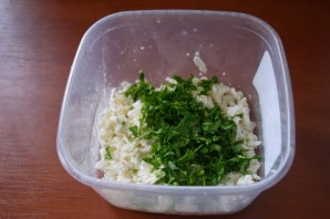 Лепешки с творогом и зеленью - фото шаг 3