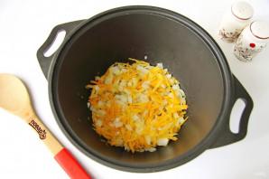 Тушеная капуста с картошкой и колбасой - фото шаг 3