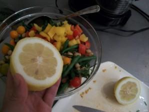 Салат с тунцом и фасолью - фото шаг 5