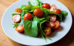Салат с рукколой и креветками - фото шаг 2