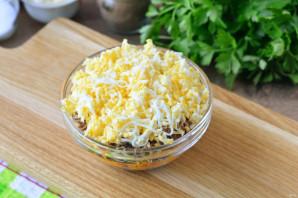 Салат с сайрой и грибами - фото шаг 12