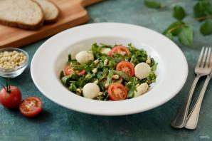 Салат с рукколой, помидорами черри и кедровыми орешками - фото шаг 7