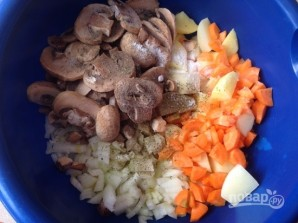Картофель с грибами в рукаве - фото шаг 5