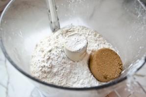 Молочный шоколад с карамелью - фото шаг 1