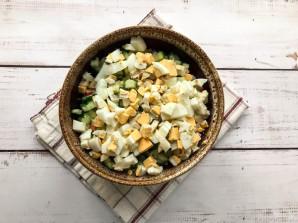 Крабовый салат с куриной грудкой - фото шаг 6