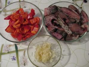Карп в томатном соусе - фото шаг 1