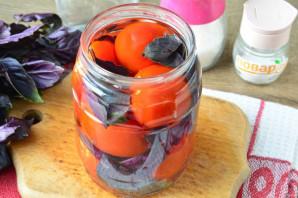 Малосольные помидоры с базиликом