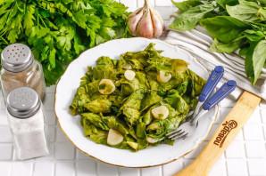 Маринованные листья салата с чесноком и уксусом - фото шаг 6