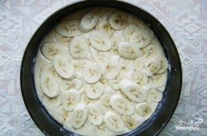 Шарлотка с бананом - фото шаг 3