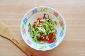 Салат с языком и черносливом - фото шаг 6