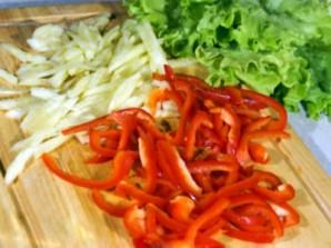 Салат с креветками и болгарским перцем - фото шаг 2