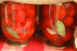 Засолка помидоров с луком на зиму - фото шаг 3