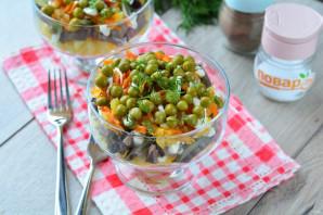 Слоеный салат с сердцем - фото шаг 13