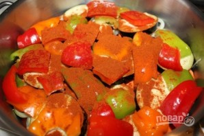Мясо с овощами, тушенное в пиве - фото шаг 5