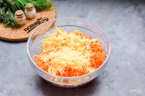Салат из моркови без майонеза - фото шаг 3