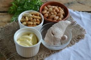 Салат с фасолью и сухариками - фото шаг 1