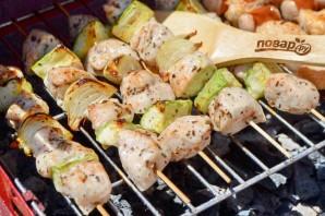 Куриный шашлык по-гречески с соусом - фото шаг 7