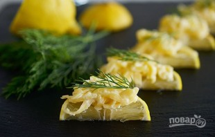 Острый сыр на лимонных дольках - фото шаг 4