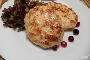 Куриные котлеты на сковороде - фото шаг 5