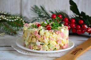 Салат с колбасой и вермишелью быстрого приготовления - фото шаг 7