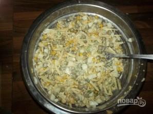 Салат с зелёным горошком консервированным - фото шаг 4