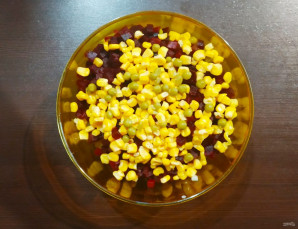 Винегрет с кукурузой - фото шаг 6