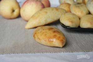Творожные пирожки с яблоками и изюмом - фото шаг 3