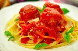 Куриные фрикадельки в ароматном томатном соусе - фото шаг 9