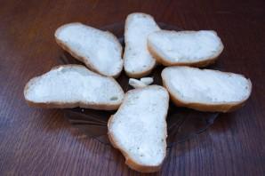 Бутерброды с сыром и чесноком - фото шаг 2