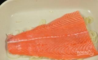 Красная рыба с грибами в духовке - фото шаг 2
