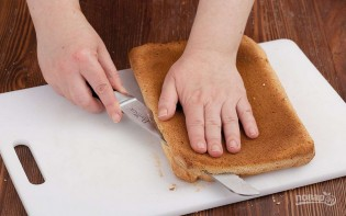 Бисквитное пирожное с белковым кремом - фото шаг 3