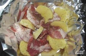 Свинина с картофелем в фольге - фото шаг 2