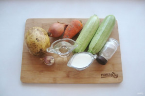 Диетический суп-пюре из кабачков - фото шаг 1