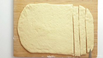 Легкие сосиски в дрожжевом тесте - фото шаг 4