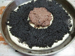 Дрожжевой пирог с шоколадной пастой маком и орехами - фото шаг 10