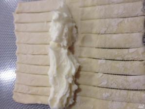 Пирог с яблоками из слоеного дрожжевого теста - фото шаг 3